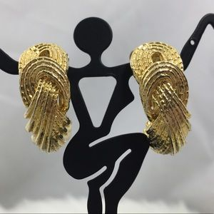 Vintage Woven J Hook Gold Tone Clip-on Earrings